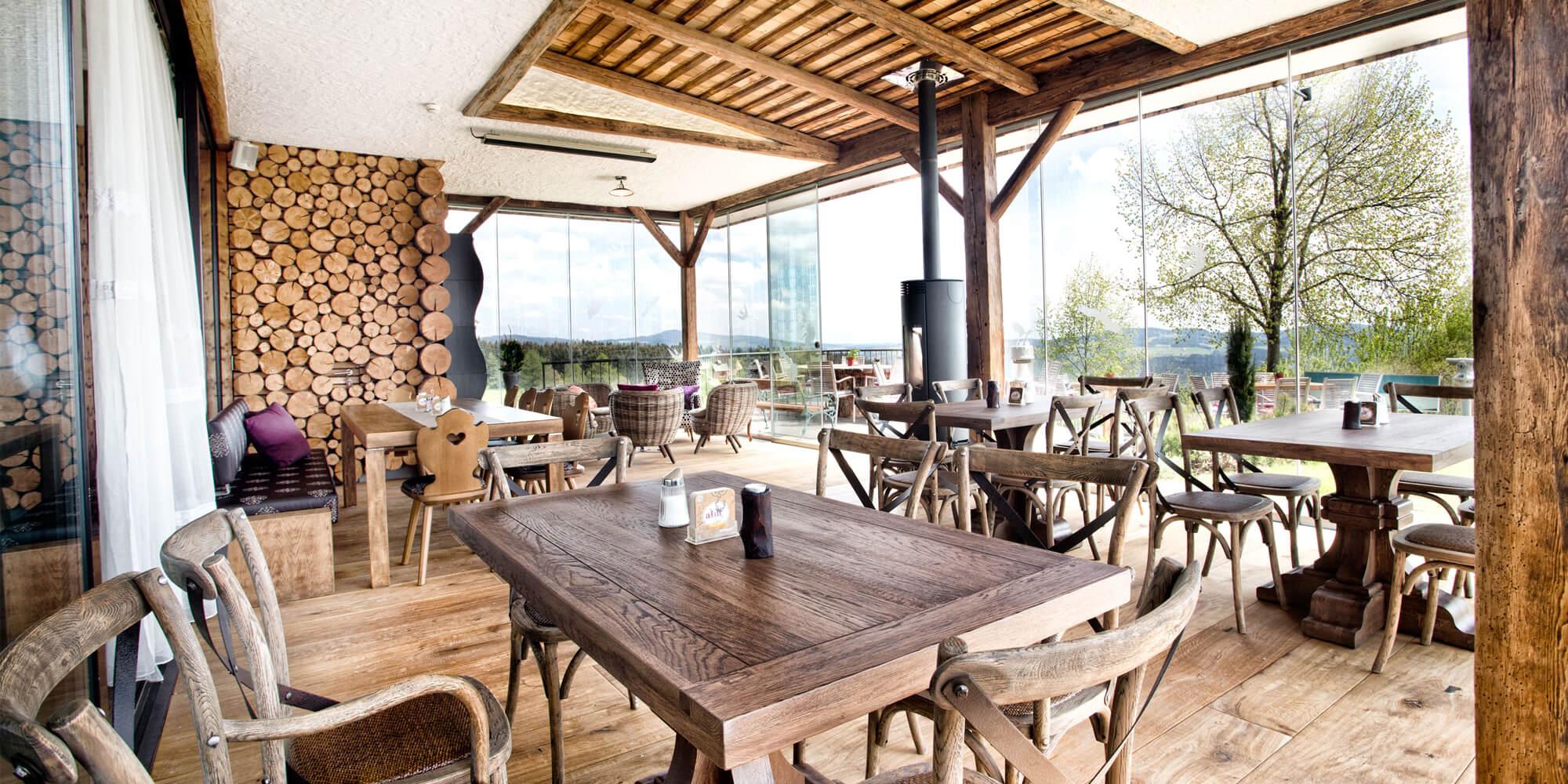 Crea-Plan-Design-Rauch-Frühmann-Architektur-Innenarchitektur-Design-Projekt-Referenz-Hotelerie-Gastronomie-AVIVA-Alm-3