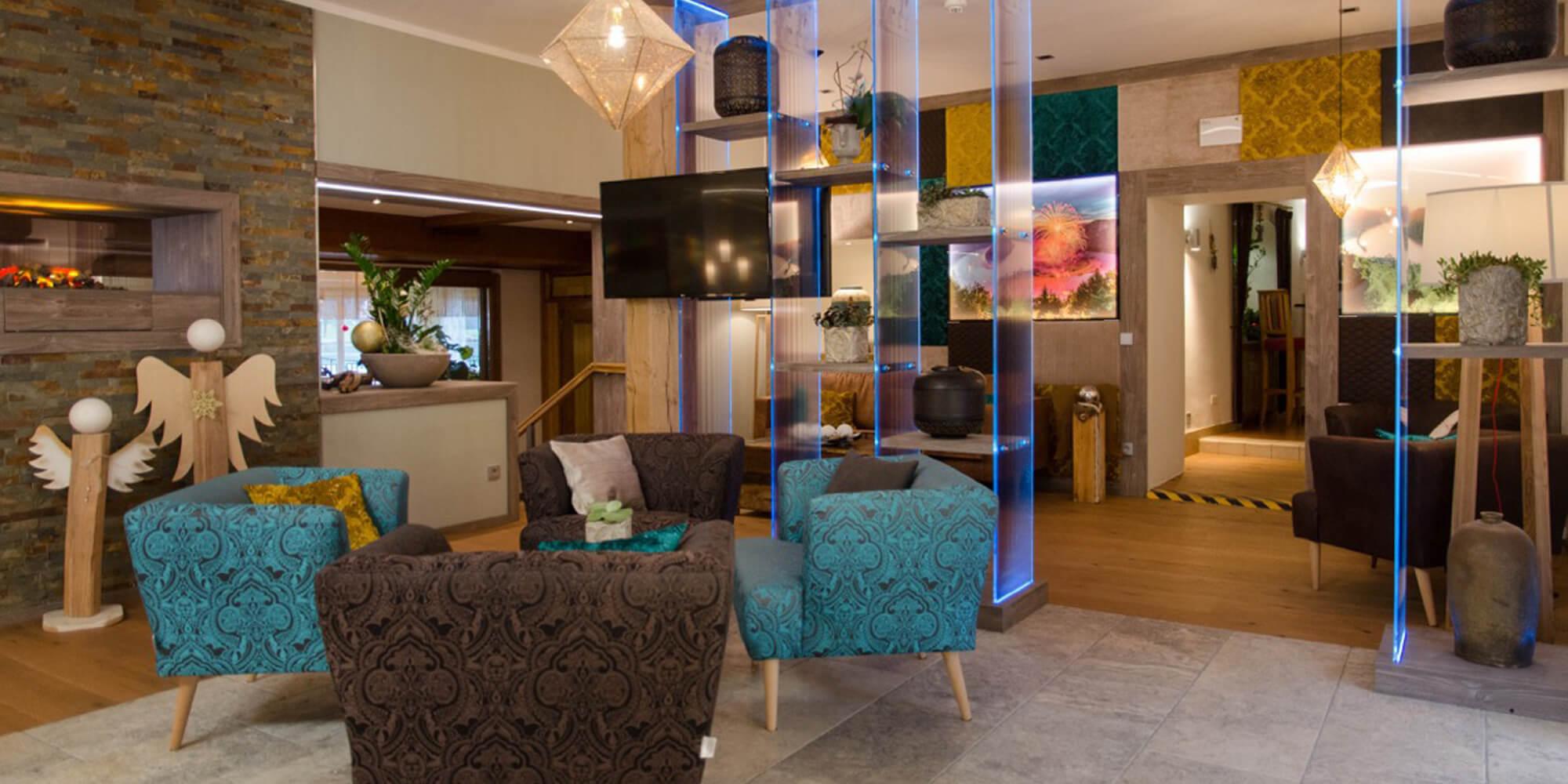 Crea-Plan-Design-Rauch-Frühmann-Architektur-Innenarchitektur-Design-Projekt-Referenz-Hotelerie-Gastronomie-Hotel-Donauschlinge-Rezeption-4