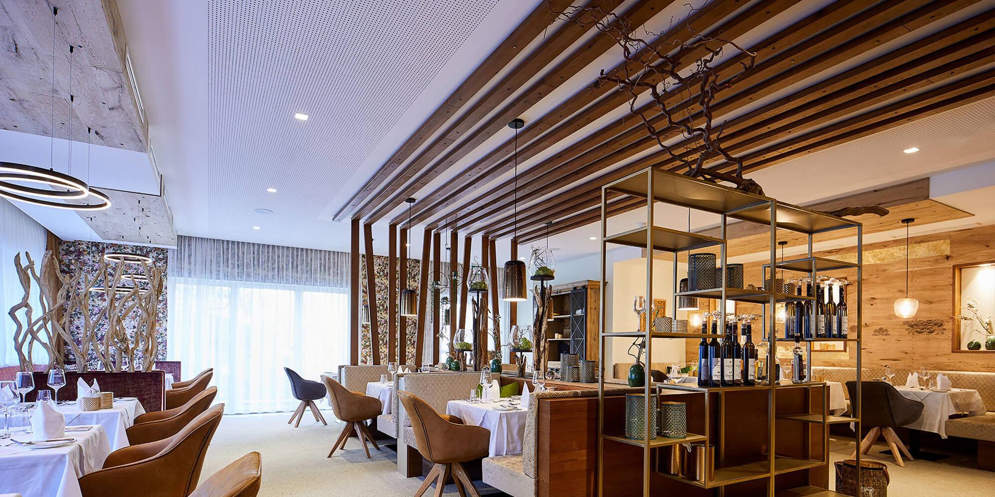 Crea-Plan-Design-Rauch-Frühmann-Architektur-Innenarchitektur-Design-Projekt-Referenz-Hotelerie-Gastronomie-Hotel-Guglwald-Restaurant-B