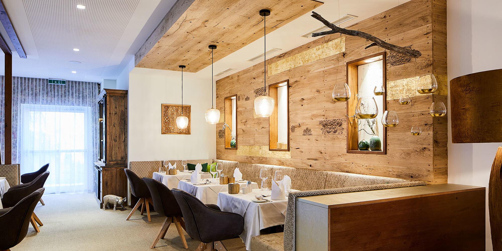 Crea-Plan-Design-Rauch-Frühmann-Architektur-Innenarchitektur-Design-Projekt-Referenz-Hotelerie-Gastronomie-Hotel-Guglwald-Restaurant-C