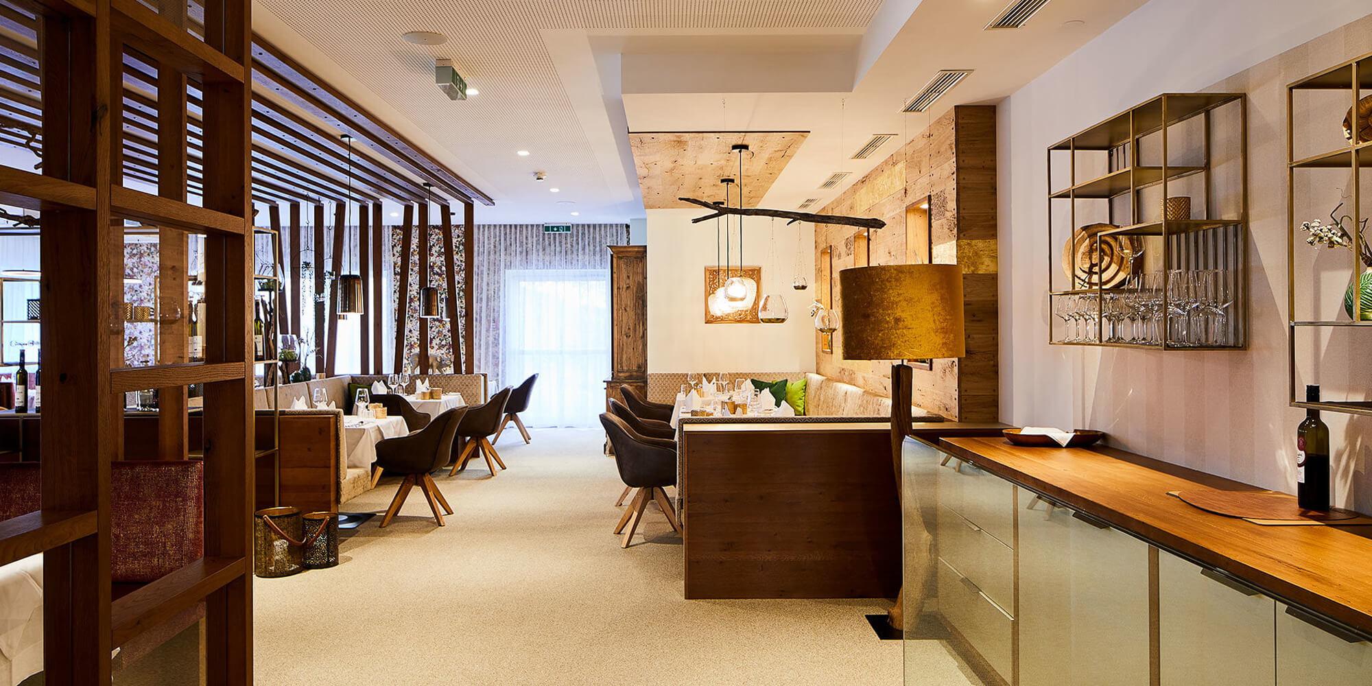 Crea-Plan-Design-Rauch-Frühmann-Architektur-Innenarchitektur-Design-Projekt-Referenz-Hotelerie-Gastronomie-Hotel-Guglwald-Restaurant-D
