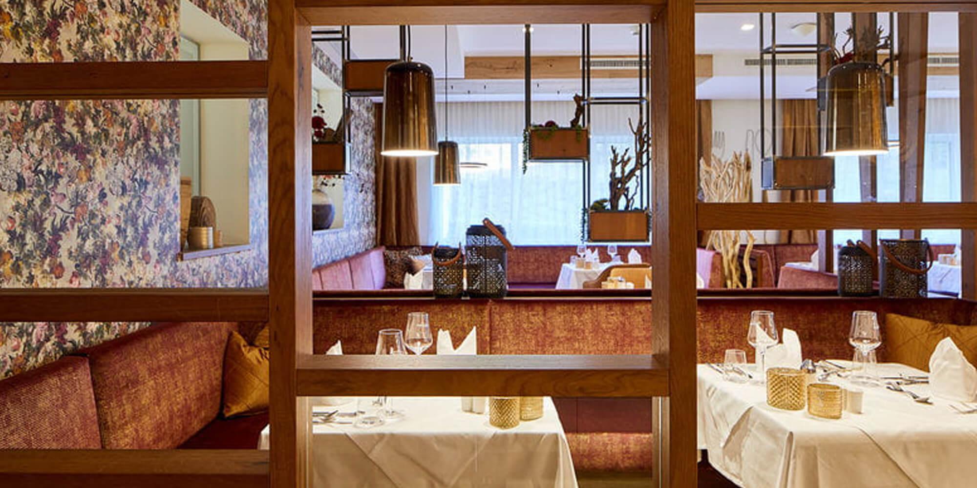 Crea-Plan-Design-Rauch-Frühmann-Architektur-Innenarchitektur-Design-Projekt-Referenz-Hotelerie-Gastronomie-Hotel-Guglwald-Restaurant-E