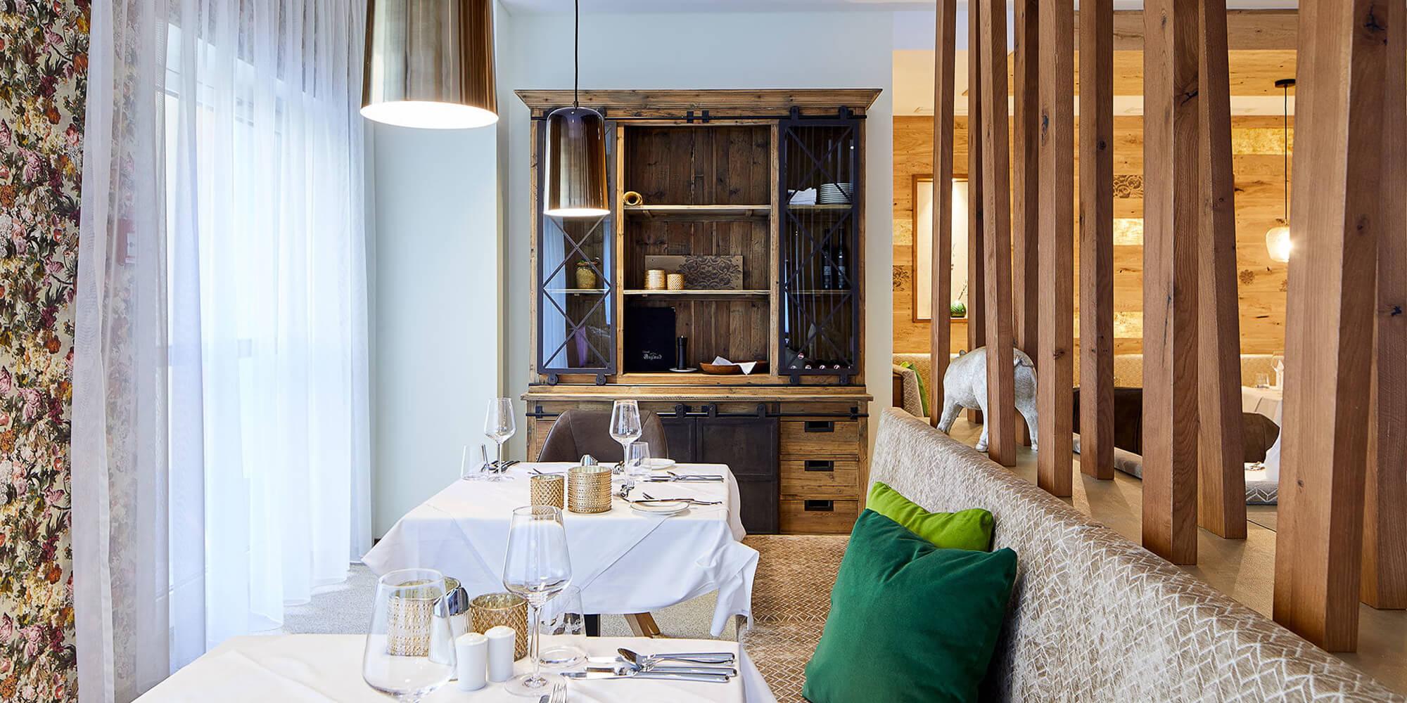 Crea-Plan-Design-Rauch-Frühmann-Architektur-Innenarchitektur-Design-Projekt-Referenz-Hotelerie-Gastronomie-Hotel-Guglwald-Restaurant-F