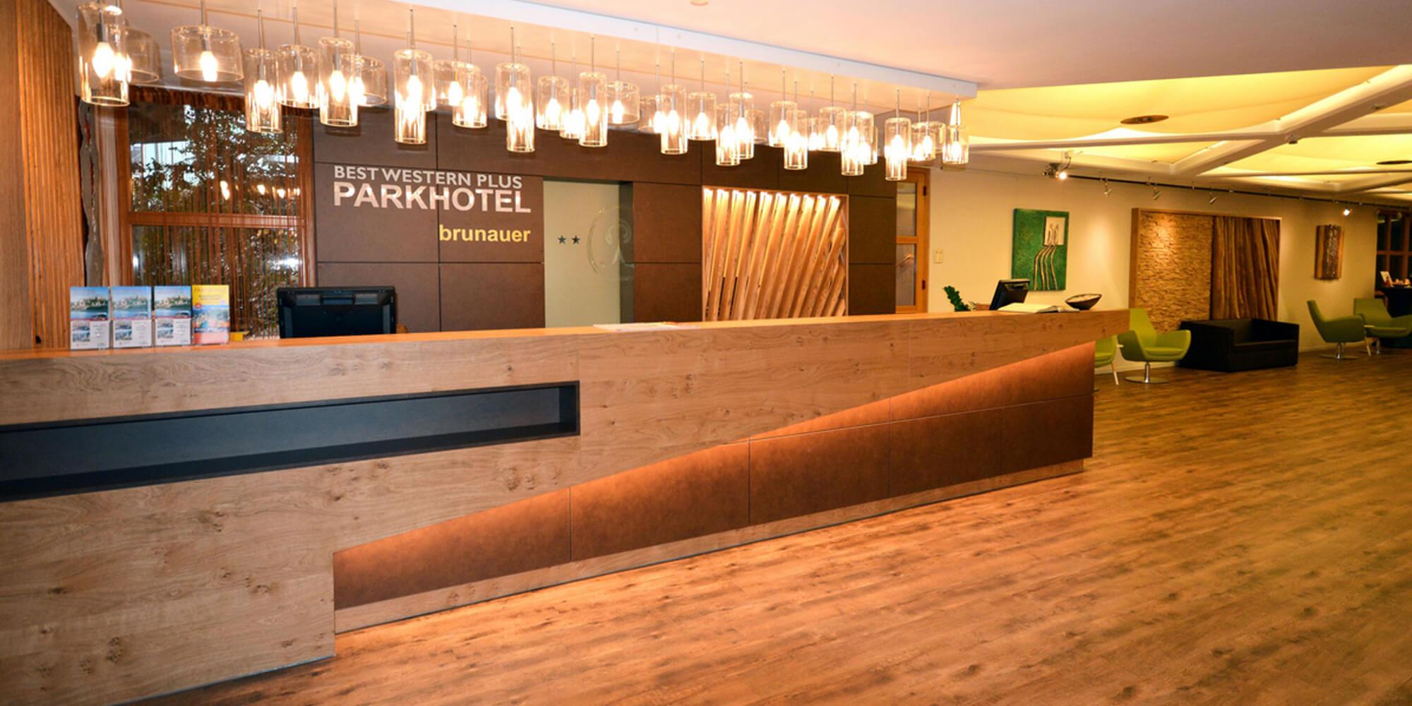 Crea-Plan-Design-Rauch-Frühmann-Architektur-Innenarchitektur-Design-Projekt-Referenz-Hotelerie-Gastronomie-Hotel-Parkhotel-Salzburg-Rezeption
